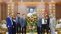 Ban cán sự Đảng Bộ Tư pháp chúc mừng Đảng ủy Bộ nhân kỷ niệm 91 năm ngày thành lập Đảng Cộng sản Việt Nam
