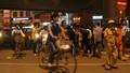 Thanh niên cầm dao đe dọa người dân giữa phố