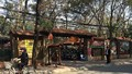 """Bên trong quán cà phê """"xẻ thịt"""" nhà văn hóa phường Dịch Vọng"""