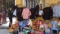 Kinh doanh áo lam 'hái ra tiền' mùa Vu lan