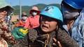 Nước mắt trên cảng cá Sa Huỳnh
