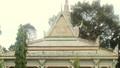 Báu vật trong ngôi chùa được ốp bằng chén, đĩa