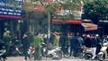 Hai thanh niên cầm hung khí, nghi cướp ngân hàng