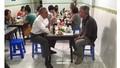 Ngắm thời trang xuống phố trẻ trung, đẹp mắt của Tổng thống Obama
