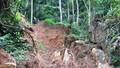 45 lính cứu hộ chuyên nghiệp đang tìm kiếm phu vàng bị mắc kẹt