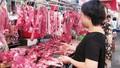 Giá thịt hơi xuống đáy, vì sao vẫn nhập khẩu thịt lợn?