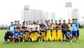 Bộ trưởng Nguyễn Ngọc Thiện thăm đội tuyển bóng đá nam quốc gia trước trận đấu gặp Thái Lan