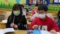 Học sinh nhiều trường chuẩn bị đi học trở lại, Bộ Y tế khuyến cáo
