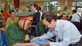 Ngân hàng TMCP Quân Đội tặng quà thương, bệnh binh và người có công
