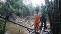 Cả làng khốn khổ vì cầu dân sinh bị mưa bão đánh sập