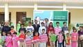 Manulife Việt Nam trao tặng 2 phòng học từ thiện cho 143 trẻ mồ côi