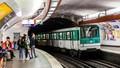 Tàu điện 'xanh' giữa lòng Paris
