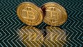 Giá trị đồng tiền ảo Bitcoin vượt mốc kỷ lục 10.000 USD