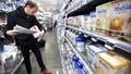 Bê bối sữa Lactalis nhiễm khuẩn lan rộng