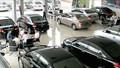 Ô tô tăng giá bất thường, vẫn hết…