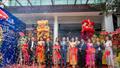 Phi Nhung hát liền 5 bài Bolero làm chật cứng đường Trường Sơn trong lễ khai trương VTM Siam Thailand