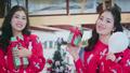Sao Mai Huyền Trang cùng em gái bất ngờ tung MV mừng Giáng Sinh thật rộn ràng