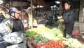 Giá rau xanh, hải sản vẫn cao sau Tết
