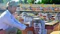 Những người tự nguyện chăm sóc nghĩa trang liệt sĩ
