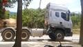 Một tài xế chết bất thường trong đầu xe kéo