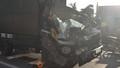 Xe tải đâm đuôi xe cùng chiều, vợ chết chồng bị thương