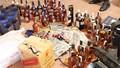Bắt 114 chai rượu ngoại không rõ nguồn gốc trên xe khách