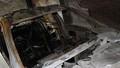 Xe ô tô tự bốc cháy trong gara