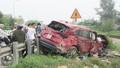 Nghệ An: Ôtô bị tàu hỏa tông, hai người nhập viện