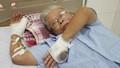 Truy bắt nhóm thanh niên chém cụ ông 70 tuổi đứt lìa ngón tay