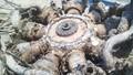 Khối kim loại nặng khoảng 2 tấn vướng lưới ngư dân