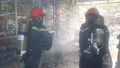 Nghệ An: Giải cứu 4 người mắc kẹt trong ngôi nhà hai tầng bốc cháy