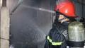 Hơn 40 cảnh sát PCCC chữa đám cháy trong chợ