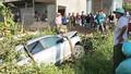 Audi Q5 chở 5 người lao xuống ruộng sâu 2m