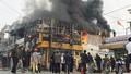 Hỏa hoạn thiêu rụi cửa hàng cạnh cây xăng, nhân viên hoảng loạn