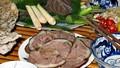 Từ việc khuyến khích ngừng ăn thịt chó: Sao vì miếng ăn mà miệt thị nhau?