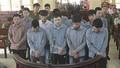 Hậu buổi cắm trại, trai làng kéo nhau vào tù