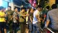 """Phạt 15 người trong vụ """"hotgirl"""" gây náo loạn phố Nguyễn Huệ"""
