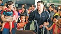 Miễn thị thực cho người Việt định cư ở nước ngoài và vợ/chồng họ