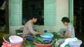 Người đàn bà hơn 50 năm gắn với nghề bánh ú lá tre vào tết Đoan Ngọ