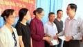 Chủ tịch UBTƯ MTTQ Việt Nam tặng quà gia đình chính sách miền Tây