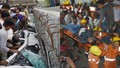 Ám ảnh hiện trường sập cầu vượt cướp đi sinh mạng 18 người ở Ấn Độ