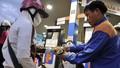 Giảm giá một số mặt hàng dầu, không tăng giá xăng nhờ chi Quỹ Bình ổn