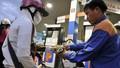 Giá xăng dầu đồng loạt giảm dịp Tết Dương lịch 2018