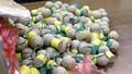 Nam sinh THPT làm hàng trăm quả 'pháo cối' bán cho bạn học