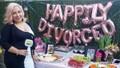 Người phụ nữ mở đại tiệc sau 7 năm mới ly hôn được chồng