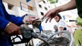 Giá xăng giảm gần 600 đồng/lít