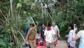 Xe chở hơn 40 khách Trung Quốc lao xuống khe núi ở Lào, nhiều người chết