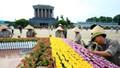 Những người dệt thảm hoa, vườn cảnh quanh Lăng Bác