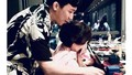 Mẹ Trấn Thành bật khóc khi nhận quà sinh nhật của Hari Won