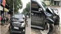 Ô tô xẹp bánh bung đầu vẫn chở người đi xe máy bị thương chạy trốn